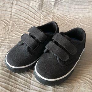 NWOT Circo Canvas Toddler Boys Shoes Sz 5